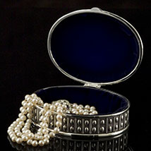 Oval Beaded Silver Box - Open