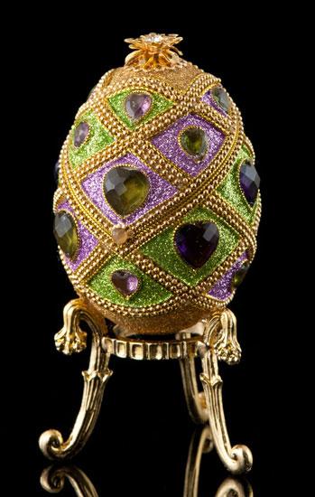 Bejeweled Hearts Egg