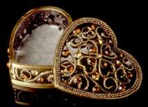 Jeweled Heart Box - Open