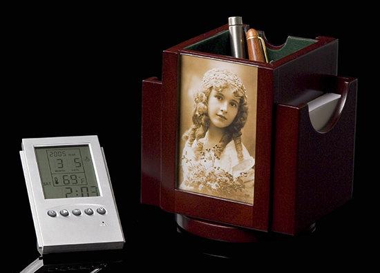 Revolving Card Holder/Clock/Photo Frame